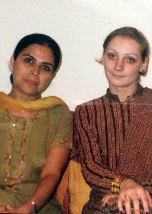 с Йогини Ганди