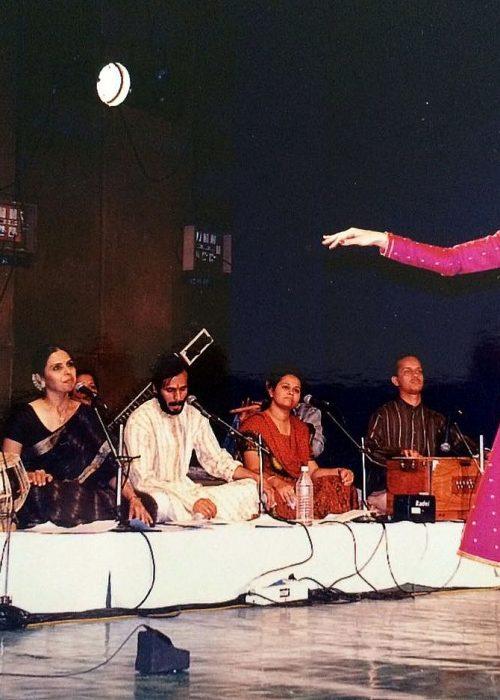 Сольное выступление в Индии